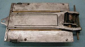 Dessous du châssis Sheldon-Hore moteur InPHinity d'Alan Seymour 1ier  en Afrique du Sud  1984