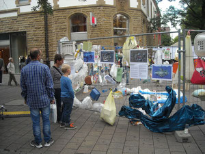 Plastik-Welt -Strassen-Installation Singen/Htw. September 2012