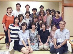 奥村さん、重藤さん、伊原さん、NHKスタッフさんも笑顔で