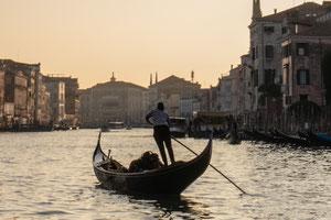 Venedig Venezia Gondolieri Canale Grande San Marco