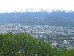 de ce belvédère, nous avons une vue plongeante sur Grenoble