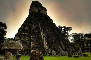 マヤ文明、最大最古の遺跡「ティカル遺跡」 Photo by mtsrs