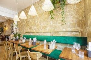 Tables de bistrot bois massif pour brasserie café restaurant