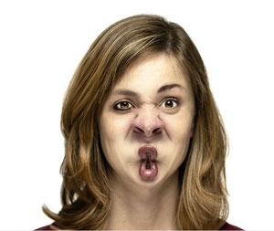 Acá creas caras de todo tipo. Es adictiva al mango.