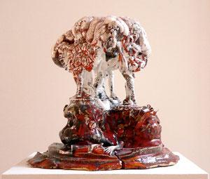 """Thomas Virnich """"Die drei Grazien und das Gehirn"""", 2010-2011, Keramik, Porzellan, Glasur, 26x26x24cm"""