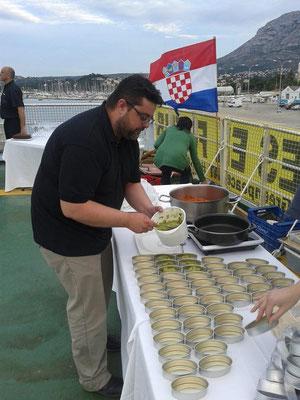 Bati Bordes, de El Marino, en plena faena