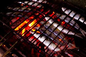 El pescado a la brasa es una delicia