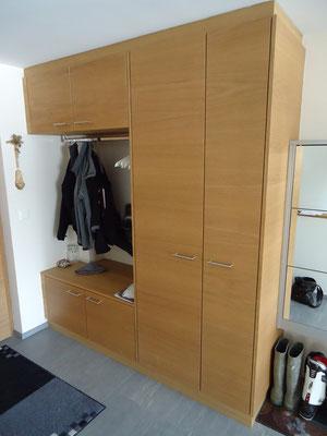 garderobe eiche furniert ge lt. Black Bedroom Furniture Sets. Home Design Ideas