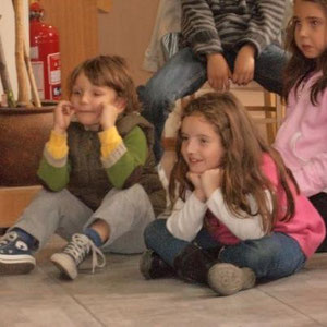 Contar cuentos para niños es la mágica posibilidad de crear momentos mágicos como éste... 11.06.2012