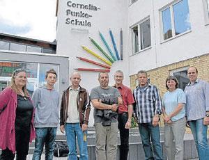 Das Team: (von links) Regina Köhler, Andreas Beifuß, Jörg Ruckel, Todor Tabakov, Bürgermeister Frank Gleim, Dirk Virnich, Heike Höhl und Stefan Egerding.