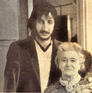 Delia with Pete Townsend - Courtesy of The Glow ; Feb.1972