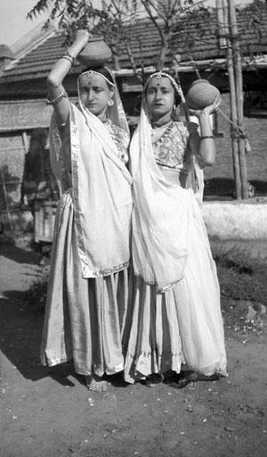 MSI Collection ; India - Delia with Margaret Craske