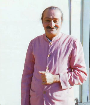 Meher Baba at Sydney's Mascot airport 11th August 1956 en route to Melbourne. Photo taken by Robert Rouse's father.l