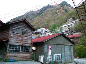 最盛期に2千人が居住していた、秩父鉱山の住宅廃墟