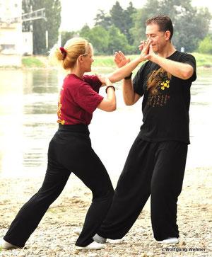 Pushing Hands eine Tai Chi Partnerübung