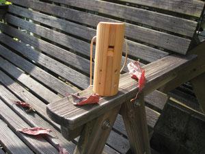 バリトンコカリナ、わずか11cmです。木の香りがします。