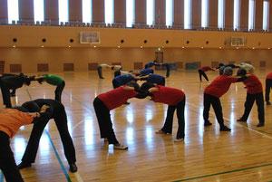 いつも京都学園大学体育館で実施