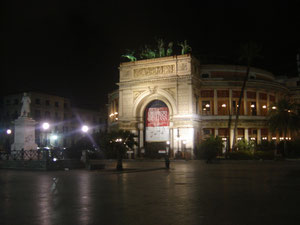 Politeama at night