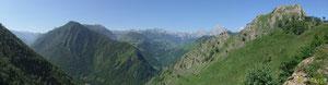 La plus belle vue sur le Cirque de Lescun, prise en recul depuis la Montagne de Sabas au-dessus de Cette