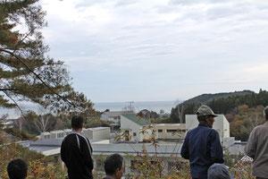 はまなすの丘の裏側からは海が見えます