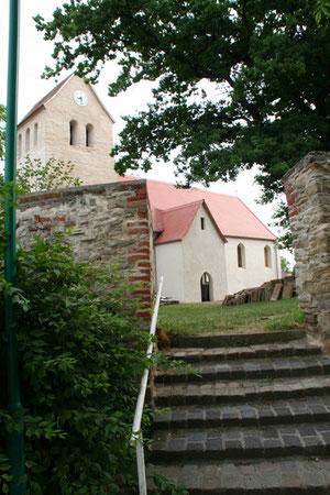 Am Fuße des Dodendorfer Kirchleins standen einst auch Schill und seine Gefährten.