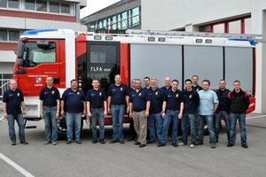 Gruppenfoto anlässlich der erfolgten Übergabe bei Firma Rosenbauer.