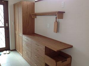 北海道の楢の食器棚