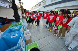 毎年たくさんの中学生・高校生がボランティアをしてくれています!