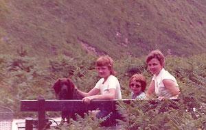 Op vakantie, naast wie zit de hond?