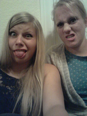 Emily und ich am Rumalbern.. :D