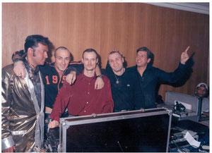 eryl prayeur, mickael, dj benjamin, dj Stéphane et arnold Chanteur généraliste