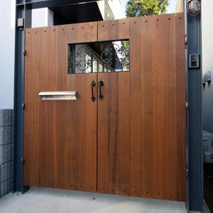 ウッド製門扉