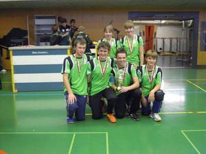 Das U20 Team mit dem SM Pokal 2011