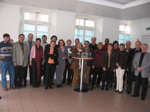 Premier contact de quelques membres du Comité, accompagnés de M. Jean-Louis Cavenne, maire de Bétheny,  avec les habitants de Dannstadt-Schauernheim en mars 2005