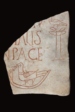 © Laurianne Kieffer – Musée de La Cour d'Or – Metz Métropole, fragment d'épitaphe avec colombe, IVe siècle
