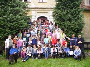 Uczestnicy Pleneru w 2010 r. - wspólna fotografia (Fot. Stanisław Kołaski)