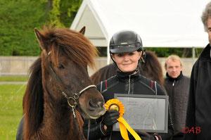 Beeke Köpke, Deutsche Meisterin in der Passprüfung 2011 Mitglied im Bundeskader Junger Reiter