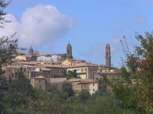 ワイン好きの聖地とも言える、モンタルチーノの街
