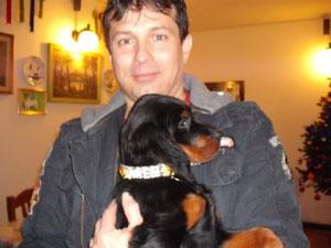 Oggi 08/01/2010 Arwen è entrata nella sua nuova casa  in Prov. di Ravenna.Età 2 mesi e 18 giorni.Con nostra gioia ,Mauro ci riferisce che  Arwen è una grande lavoratrice sui terreni di caccia.Brava Arwen!!