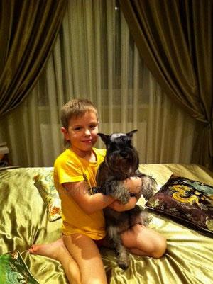 Сонечка со своим юным хозяином)))
