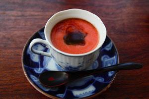 トマト100%ペーストソースの冷製スープ