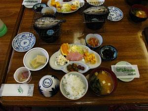 仙流荘の朝食 (5:20AM)