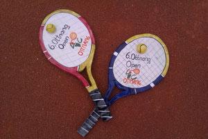 Tennisschläger aus Keramik zum Aufhängen, ideales Geschenk für den Sportler, auch als Uhr oder mit anderem Text erhältlich!