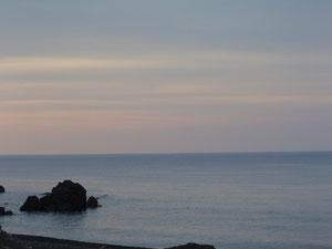 事務所近くの海