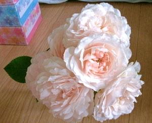 麩一で頂いた薔薇ね。