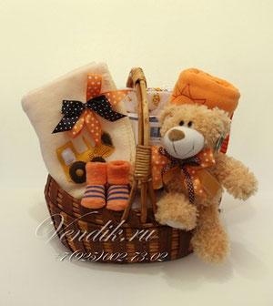 """© Подарочная корзина для новорожденного ребёнка """"Рыжик"""""""