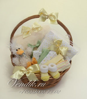 """© Универсальная подарочная корзина для новорожденного ребёнка """" Утя"""""""