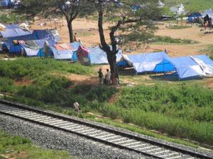ラジニスタン流民 テント