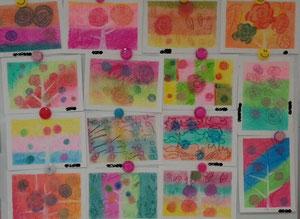 色んな画材も使います。パステルもオイル・ソフト・ハード。色々活用!色鮮やか!