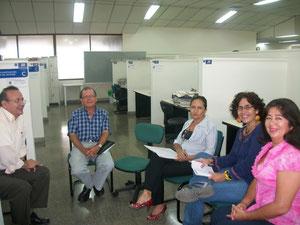 Germán Giraldo, Director Grupo de Investigación en Ciencias del Lenguaje, José Eliécer Echeverry, Directora Dpto., Jefe de Área y Gladys Benavides